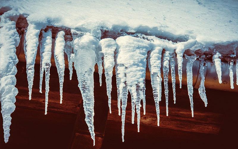 Hauseigentümer müssen gefährliche Eiszapfen entfernen